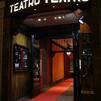 Puerta del Teatro Tribueñe