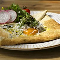 鎌倉野菜としらすのガレット