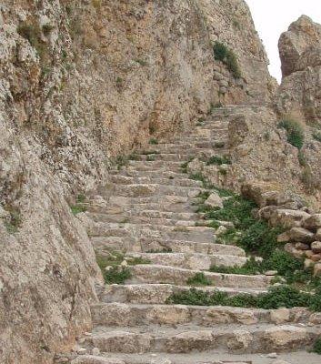 L'escalier menant à la table de Jugurtha