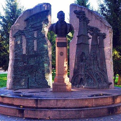 Первый памятник Людвигу Нобелю в Рыбинске и в России