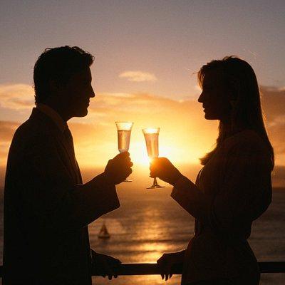 Enjoy a sunset cruise !
