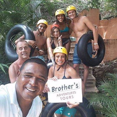 Tour Brothers Pura vida