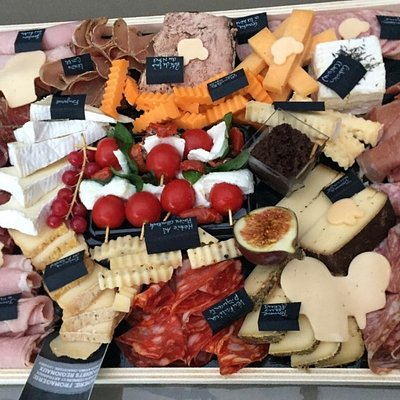 plateau fromages/ charcuteries