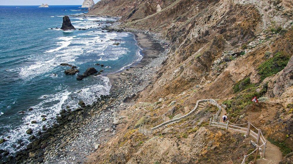 лестница и Playa de Benijo