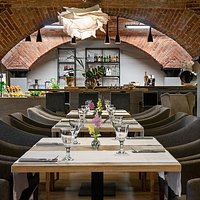 Food Gallery Restaurant & Bar