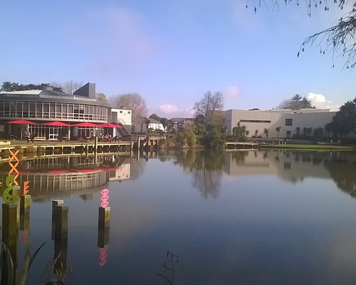 The trail is on the very lovely University of Waikato campus. Cafes are open week days.