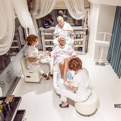 Wellness Lab allows guests to receive any beauty and health procedures in one area (EST 1995)