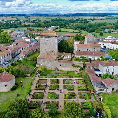 Donjon, jardin, musée et pigeonnier