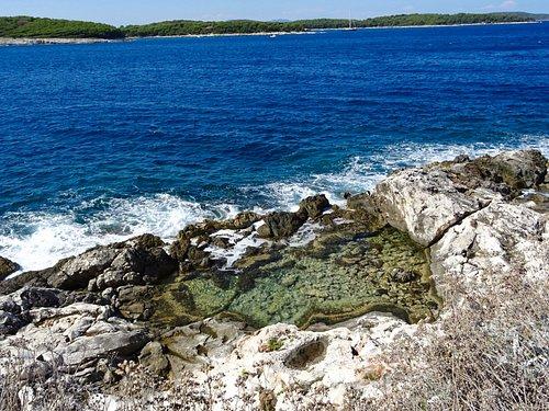 An invigorating sea pool
