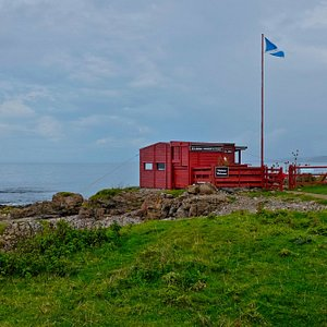 This wee hut is it.