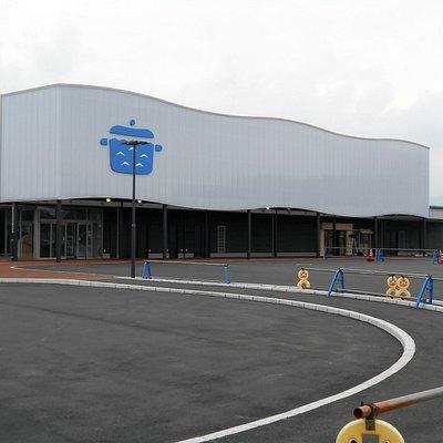 完成間近の道の駅(観光案内所は10月から駅舎内で営業予定)