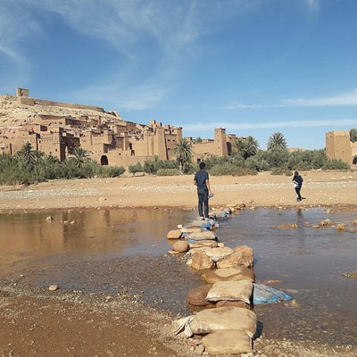 Rock the kasbah - Ksar Ait Ben Haddou Majestic Building #saharadeserttrips @saharadeserttrips