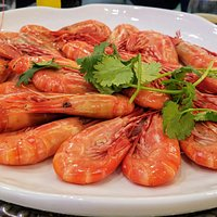 Largest shrimps or prawns...whatever so good and delish!