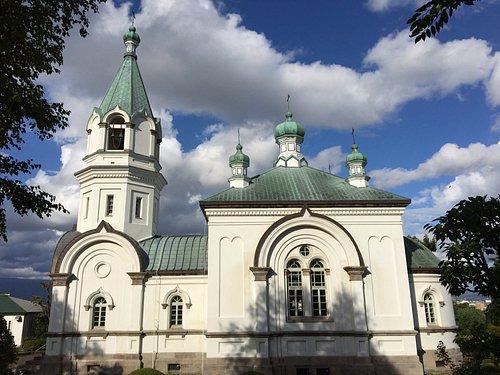 教会の側面全景