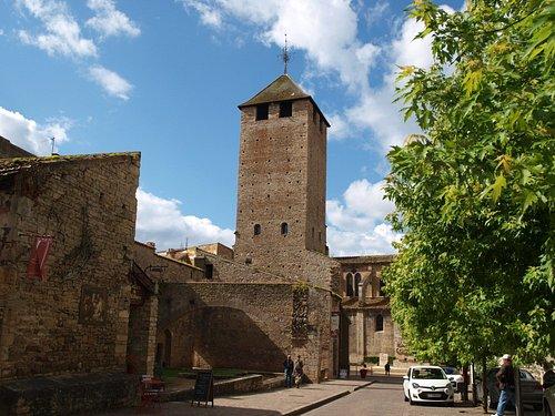 Du haut de la Tour des Fromages, découvrez un extraordinaire panorama sur la cité-abbaye.