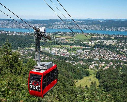 Luftseilbahn mit Blick auf den Zürichsee