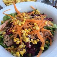 Leckerer Thunfisch Salat 5.-€ und Pommes 3.- €