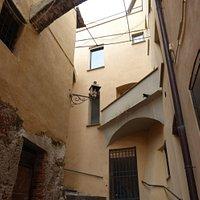 Borgo Castello, salita e mancorrenti