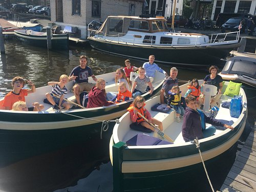 Rent a boat and enjoy Amsterdam with your family and friends!