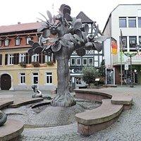 Paradiesbrunnen, Neustadt, Alemania.
