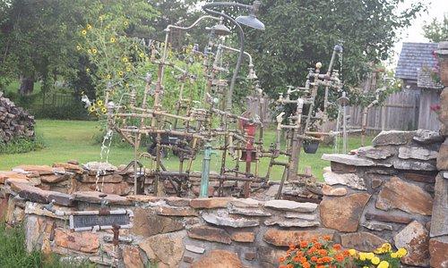 Red Oak II - Lowell David sculpture