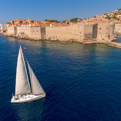 Sailing in front of Old Town