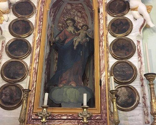 La parrocchiale di Cengio Alta recentemente restaurata è una vera scoperta, con stucchi barocchi