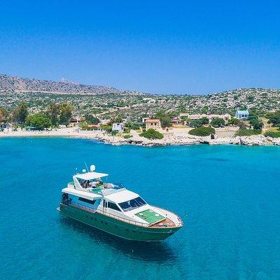www.seajoyyachts.com | Explore. Discover. Live
