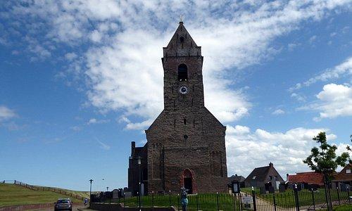 Kirche in Wierum, direkt hinter dem Dein