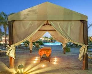 What can be better than massage on the beach? Visit Planet Spa!