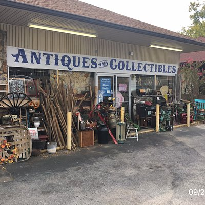 Parkway Antiques & Collectibles, Pigeon Forge, TN