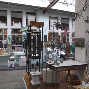 The Bryand Gallery...the store behind the windows.....