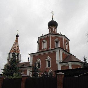 Никольский храм в селе Озерецкое