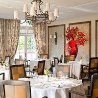 Salle de restaurant La Côte Saint Jacques - Jean-Michel Lorain