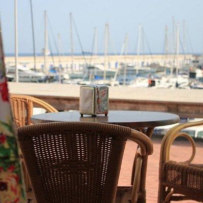 Terraza con vistas al puerto