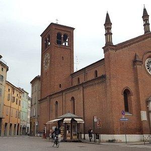 Piazza e Chiesa di Santa Brigida