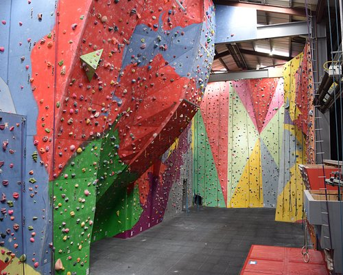 Boasting the 12.5m high walls and the super steep 'barrel'