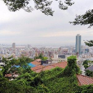 港みはらし台から神戸の街を望む