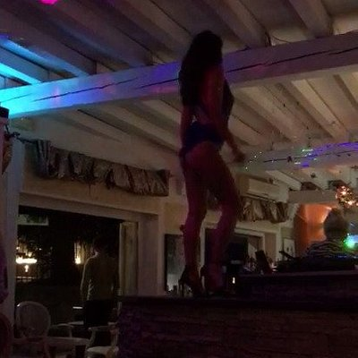 Danse sur le bar