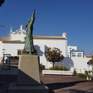 San Vicente De Albufeira statue in Old Town.
