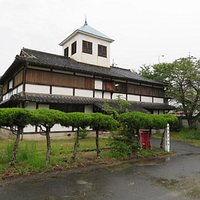This museum was a former elementary school. It is unique in having a completely Japanese style.