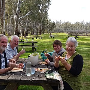Wine & wood fired pizzas overlooking the Murray River