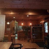 Cafe Grass Roots的店內裝潢