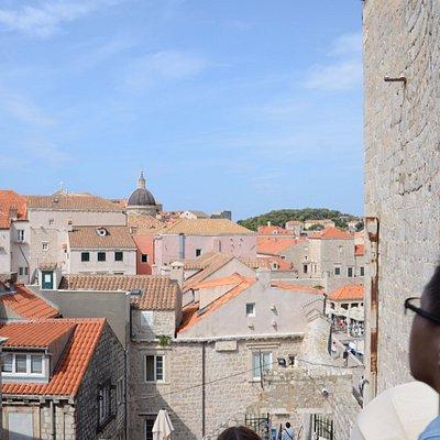 Widok na Pustjerne z murów miejskich