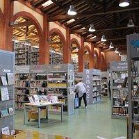 Biblioteca Lea Garofalo
