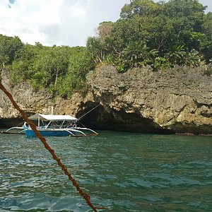 Since the cave can fit only 2 bancas, there is ample space to take pictures & enjoy the cave.