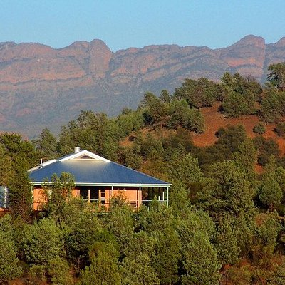Stay in stunning eco villa's in the Flinders Ranges