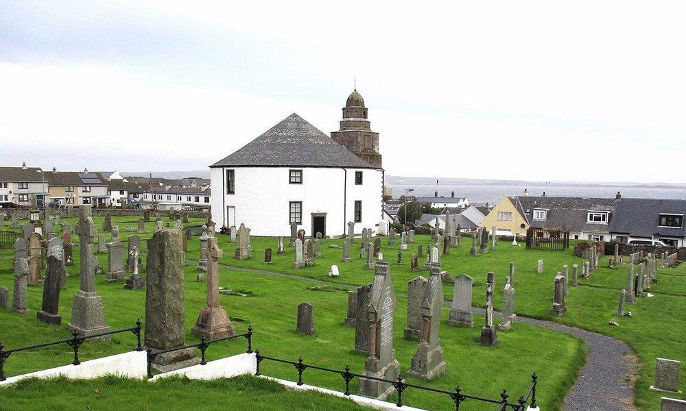 L'église vue du haut du cimetière