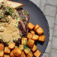 Steak & Mushroom - ستيك مشوي عالفحم مع صوص المشروم