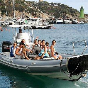 un bel gruppetto pronto per la spiaggia delle Caldane